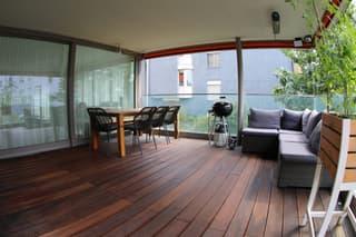 Grosse, helle, ruhige und verkehrsgünstige Wohnung in Zürich (3)