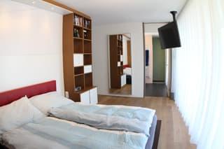 Grosse, helle, ruhige und verkehrsgünstige Wohnung in Zürich (2)