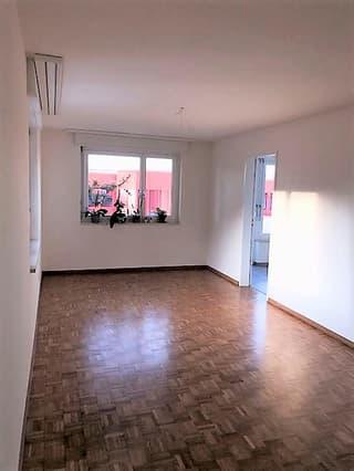 Schöne, helle 4.5-Zimmerwohnung im 3.OG, ca. 104.50 m2 (2)