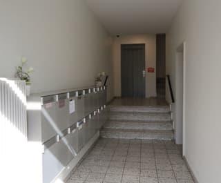 Vollvermietetes Mehrfamilienhaus mit zwei Ladenflächen im Matthäusquartier (2)