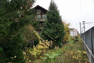 Wohnhaus mit Nebengebäude an schöner und sehr zentraler Lage in Emmenbrücke (3)