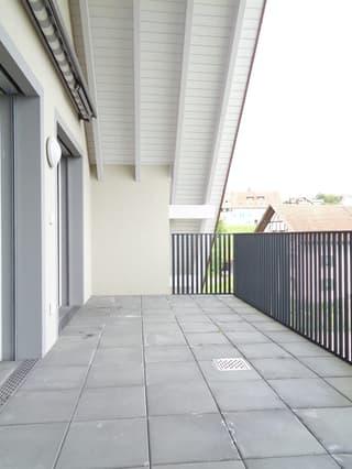 3.5-Zimmer-Dachwohnung mit 2 Balkonen per sofort oder nach Vereinbarung (2)