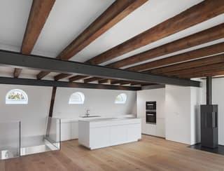Zentrale, topsanierte Altbau Maisonettewohnung am Spalentor (2)