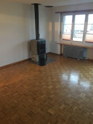 3,5 Zimmer Maisonette- Dachwohnung mit besonderem Charm in Adetswil (3)