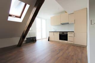 Helle 3 Zimmer Wohnung in einem ruhigen Quartier (2)