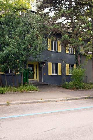 Dachgeschosswohnung mit südlichem Flair und Charme (2)