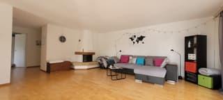 Grosszügige, schön besonnte Wohnung im Wysland (3)