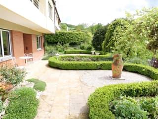 Freistehendes 5-Zimmer Einfamilienhaus mit Garten in Hölstein (2)