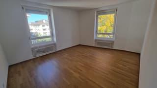 Helle 4 Zimmer Wohnung in zentraler Lage (4)