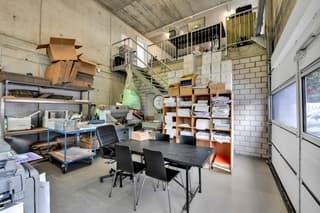 vollvermietetes Büro- und Lagergebäude im Baurecht (3)