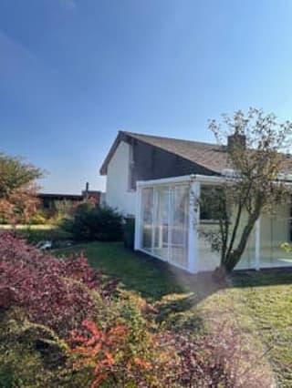 Doppeleinfamilienhaus mit grossem Garten und Wintergarten (2)