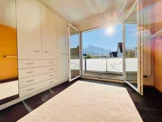 Grosszügiges Einfamilienhaus in beliebtem Wohnquartier (4)