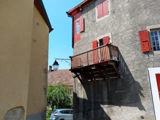 Charmant appartement entiérement rénové (2)