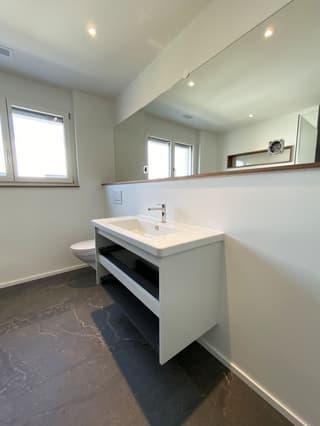 Moderne 4.5-Zimmer-Neubauwohnung (4)