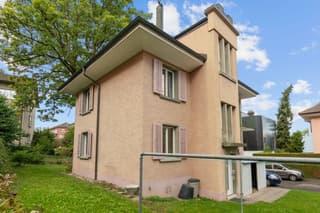 Freistehendes Zweiparteienhaus mit interessantem Potenzial in Zürich Nord (3)