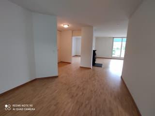 Grosszügige Wohnung an der Aare (4)