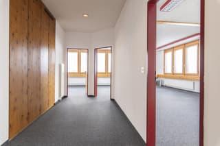 Attraktive Büroräumlichkeiten im 2. OG ? Ihre neue Arbeitsumgebung! (2)