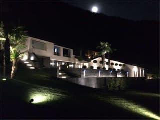 Magnifica villa vista lago con piscina e darsena (3)