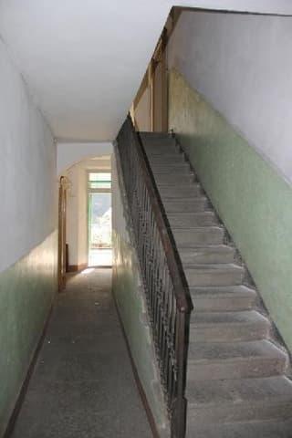 7-Familienhaus zum Ausbauen mit Baubewilligung / Casa con 7 appartamenti da ristrutturare con licenza edilizia (3)