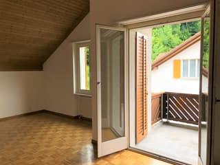Originelle 3.5-Zimmer-Dachwohnung mit der neuen Küche! (3)