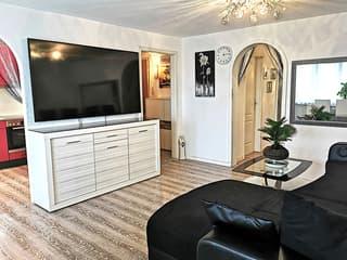 Renovierte 6,5-Zimmer-Dachwohnung mit Klimaanlage (2)