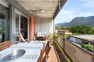 Spazioso e luminoso appartamento con grande terrazza (3)