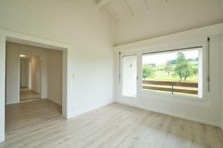 Frisch renovierte Wohnung mit Gartenanteil (3)