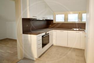 3.5 Zimmer Wohnung mit Ausblick ins Grüne zu vermieten (4)