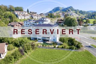 Reserviert - Naturnahe und grosszügige 5.5-Zimmer-Wohnung in Sattel (3)