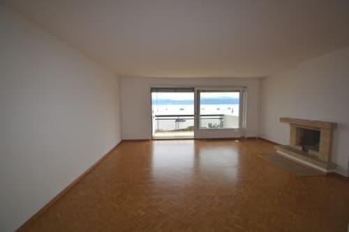 Appartement de 5.5 pièces au 1er étage d'un immeuble sur la baie de Morges