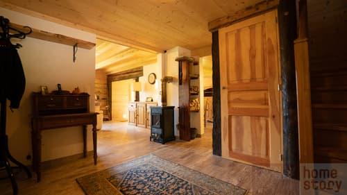 Magnifique chalet de 4 pièces plein de charme avec bois d'un mazot datant de 1724 en pleine nature