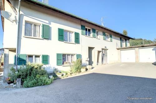 Maison de 3 appartements et 1 grand atelier à 12 km d'Attalens