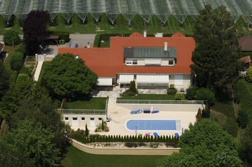 Grande villa familiale avec piscine, proche de Nyon