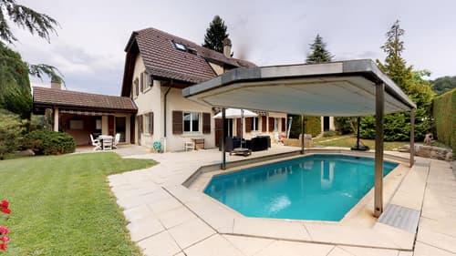 Jolie propriété avec belle parcelle et piscine à Cugy