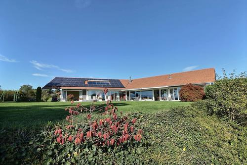 Superbe propriété moderne avec vue lac proche de Lausanne