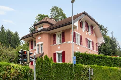 Grande maison individuelle avec vue sur le lac et les Alpes