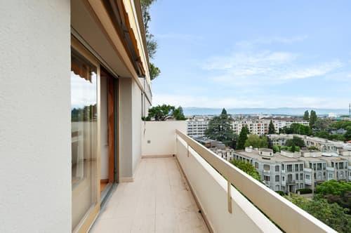 Spacieux appartement en étage élevé avec belle vue sur la ville