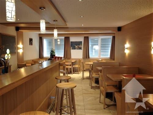 Sympathique café-restaurant rénové avec soin