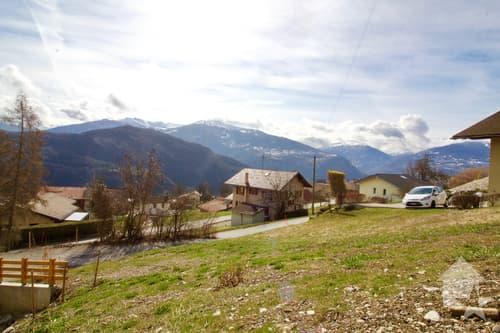 Joli terrain de 1032m2 avec une vue splendide sur les Alpes