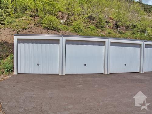 3 garages box à vendre à 1 km au-dessus de Varen