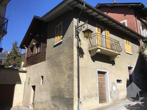 Maison villageoise à réaménager entièrement, jolie terrasse à l'ouest