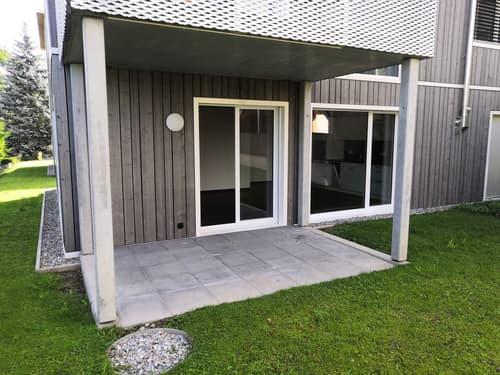 Grand appartement moderne de 2,5 Pièces avec balcon et jardin