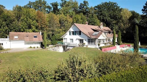 Maison et dépendance sur 4'500 m² au calme d'un hameau