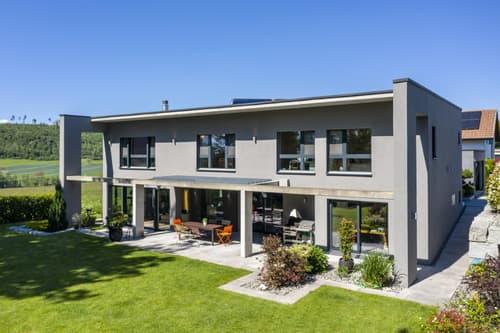 Grande propriété contemporaine de 9.5 pièces dans un quartier résidentiel calme