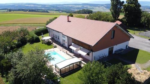 Maison de 6.5 pièces avec Domaine Equestre de 11'762 m² avec vue sur le lac et les Alpes