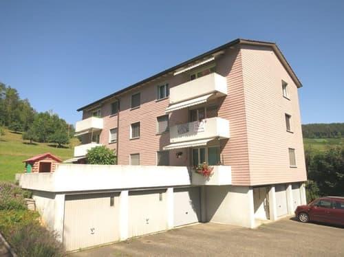 Sonnige 3.5-Zimmer-Wohnung mit Balkon und Blick ins Grüne