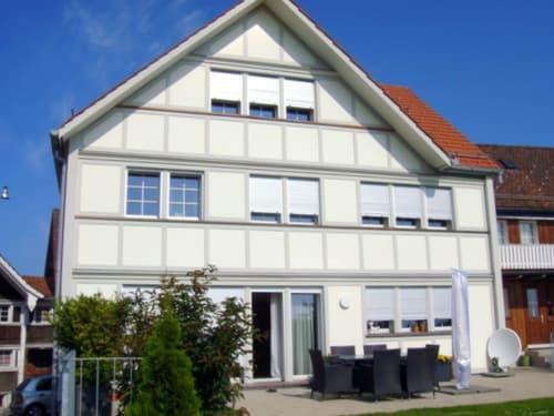 Neu erstelltes 8-Zimmer Einfamilienhaus mit Blick auf den Säntis