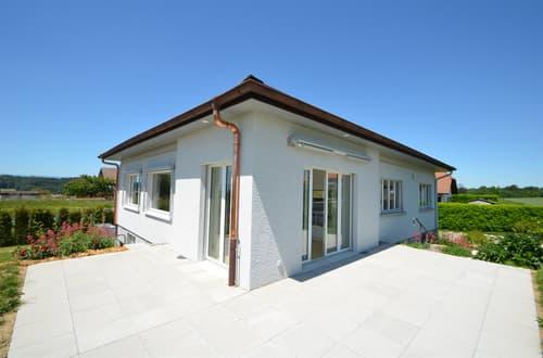 Grosszügiges Einfamilienhaus mit Anbau an wunderbarer Lage