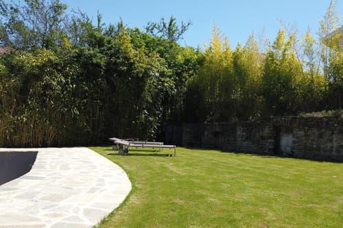 Petite maison avec terrasse et grand jardin  - Proche douane