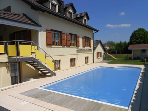 Belle Villa de 9,5 pièces avec piscine.
